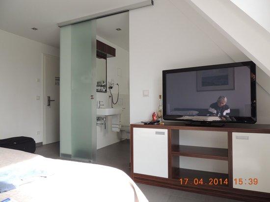 Strandhotel Dranske: Zimmer Nr. 45 (sauber und modern eingerichtet)