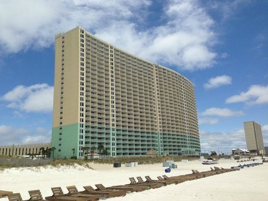 Wyndham Vacation Resorts Panama City Beach : View from beach of resort