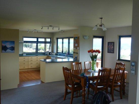 Loch Vista Lakeview Accommodation: Küche und Essbereich