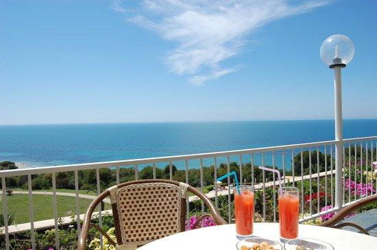 Club Marmara Cala Regina : Vue de la terrasse du bar