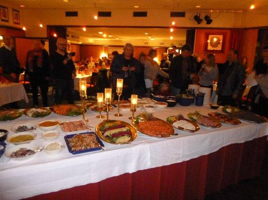 Hotel Ivalo: Buffet d'entrées du réveillon de Noël