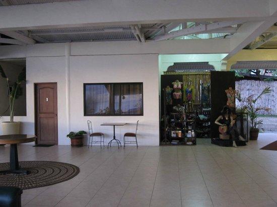 Danao Coco Palms Resort: Lobby