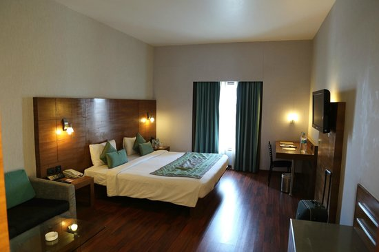 VITS Hotel Pune: Our room