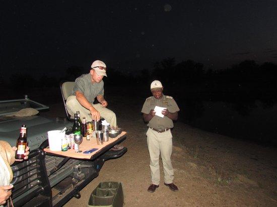 Motswari Private Game Reserve: Evenig Safari Break With Drinks