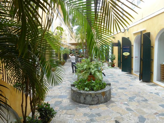 Amalia Cafe : Palm Passage
