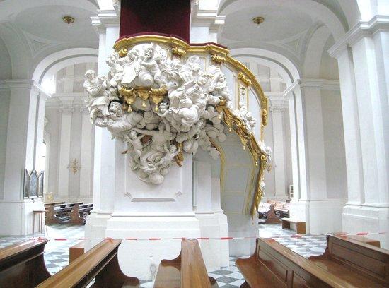 Katholische Hofkirche - Dresden: Highly ornate pulpit detail