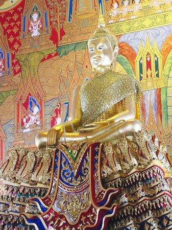 Wat Hua Lumphong : 御本尊