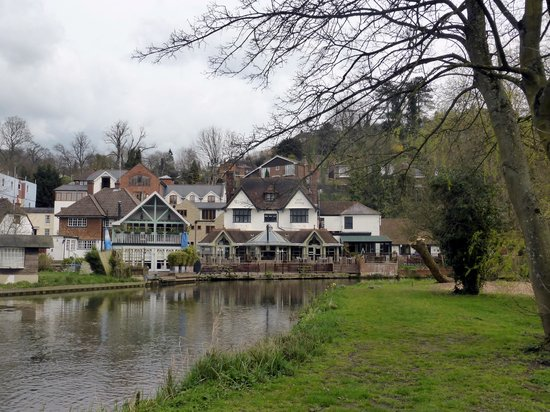 The Boatman Freehouse: Weyside pub/restaurant