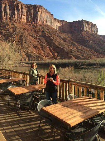 Red Cliffs Lodge: Morning Coffee