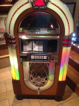 Loews Royal Pacific Resort at Universal Orlando: A jukebox at Jake's resturant. Lots of oldies.