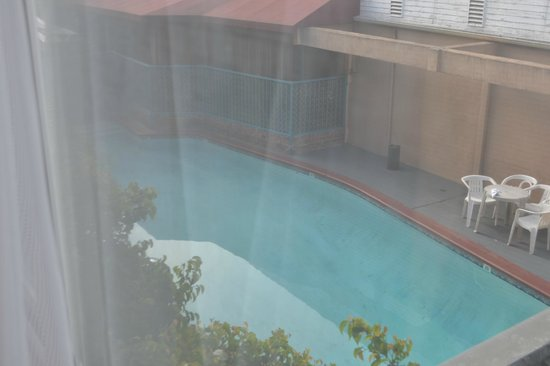Park Plaza Lodge Hotel: View of the pool from our room