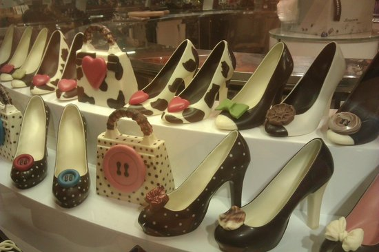 La Rinascente: chocolate shoes in the food hall