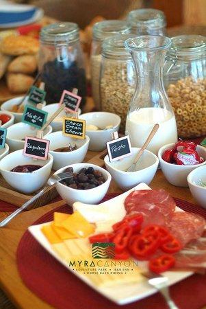 Myra Canyon Ranch B&B : Breakfast