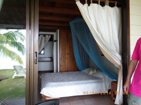 Hotel Fare Vaimoana: chambre