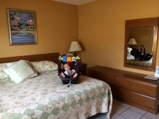 Ebb Tide Oceanfront Resort : Unit #14 Bedroom