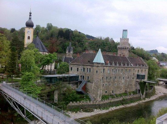 Schloss an der Eisenstrasse: Zimmerausblick Altstadt