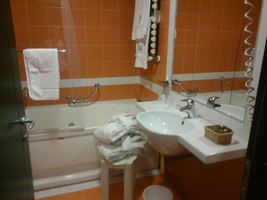 Bagno con vasca idromassaggio - Foto di Victoria Terme Hotel ...
