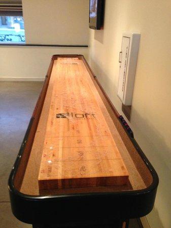 aloft Minneapolis: Shuffleboard in the multi-use room