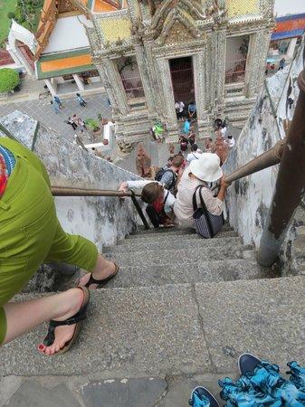 Wat Arun (Tempel der Morgenröte): Wat Arun steps