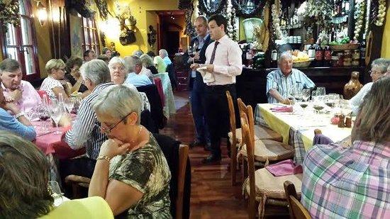 Meson de Calahonda: Rafael explaining the wines in our last wine tasting