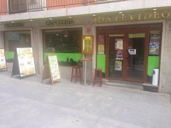 Pizeria & Cafeteria Montevideo: Fachada restaurante