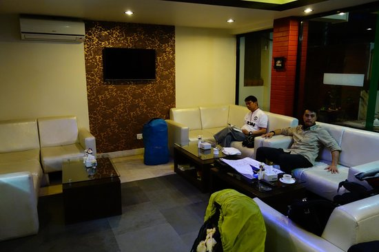 Hotel Mums Home Pvt Ltd: Hotel Lounge area. Cosy place
