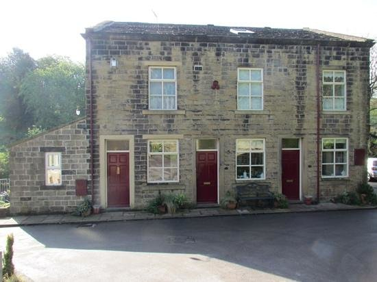 Hewenden Mill Holiday Cottages: Mill Workers Cottages