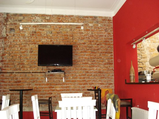 Aldea hostel Cordoba: COMEDOR Y COCINA