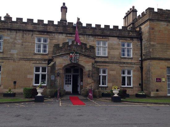 Mercure Blackburn Dunkenhalgh Hotel & Spa: Entrance to hotel