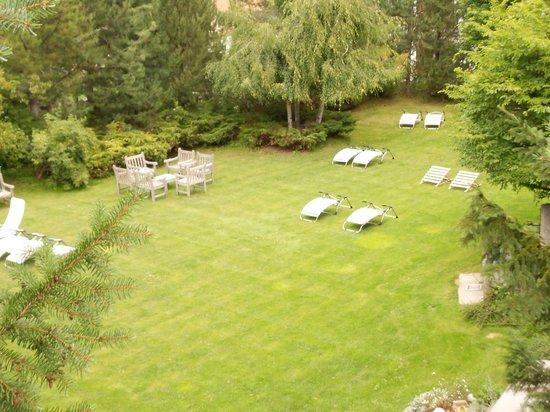 Hotel Miramonti: giardino interno