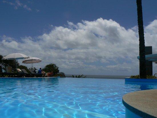 Pestana Promenade Ocean Resort Hotel: To infinity and beyond