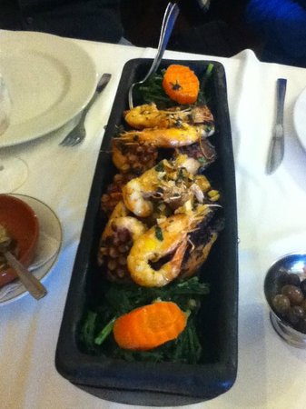 Adega do Albertino: Grilled squid with Potatoes and Greens