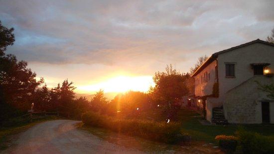Agriturismo Ca' Maddalena : Tramonto sull'Agriturismo