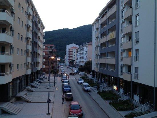 B&B Perla Di Mare: Street view from the balcony