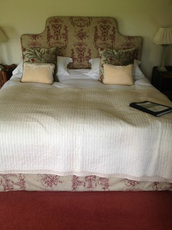 Harptree Court : Lovely Bed