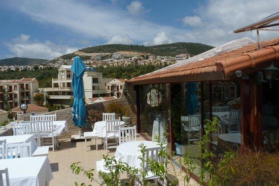 Hotel Zinbad: The dining room terrace bar