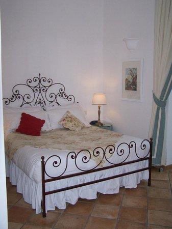 Caesar Augustus Hotel: Bedroom