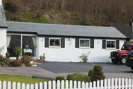 Hillview Guesthouse : fenetre chambre