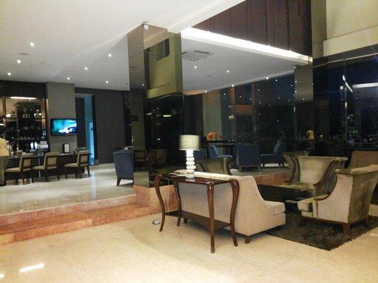 Hotel Santika Taman Mini Indonesia Indah-: the hotel lobby