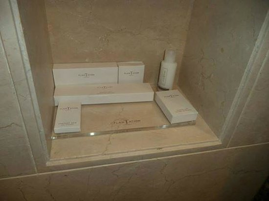 Jumeirah Messilah Beach Hotel & Spa: ROOM AMENITIES