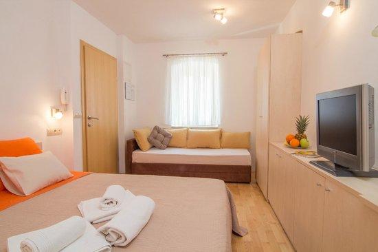 Split Inn Apartments: Double room