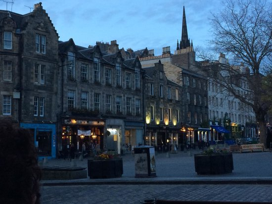 Grassmarket Hotel : The Grassmarket in the Evening