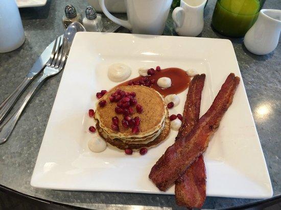 Summerwood Winery & Inn : Breakfast Lemon Ricotta Pancakes