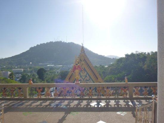 Phuket Meditation Center: Scenery outside a buddhist temple