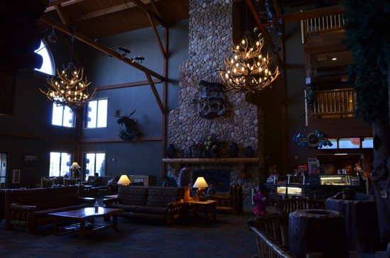 Great Wolf Lodge : Lodge Entryway