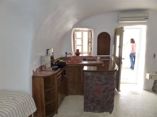 Art Maisons Luxury Santorini Hotels Aspaki & Oia Castle: Kitchenette