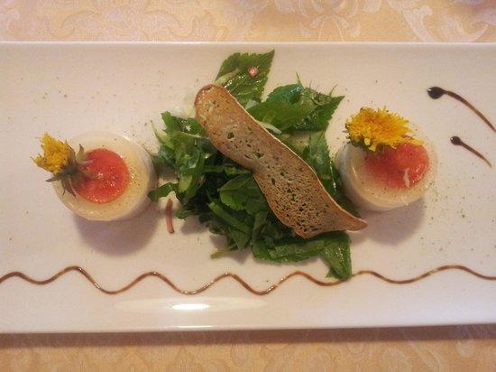 Hotel Restaurant Kirchsteiger: asparagus and tuna mouse
