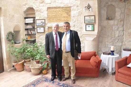 Temenni Evi Hotel: 40 yillik dostum Dr.Mansur'la