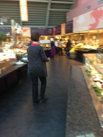 LeBuffet Berlin KaDeWe: part of the salad bar to get an idea of how big this place is