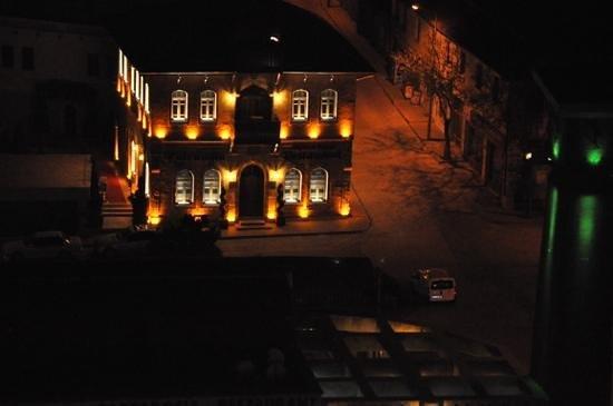 Temenni Evi Hotel: Temenni evinden tarhi bir konak